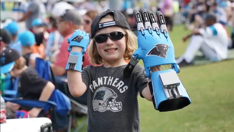 Cam Haight of Different Heroes Nonprofit Makes 3D Printed Prosthetic Hand for His Own Hero