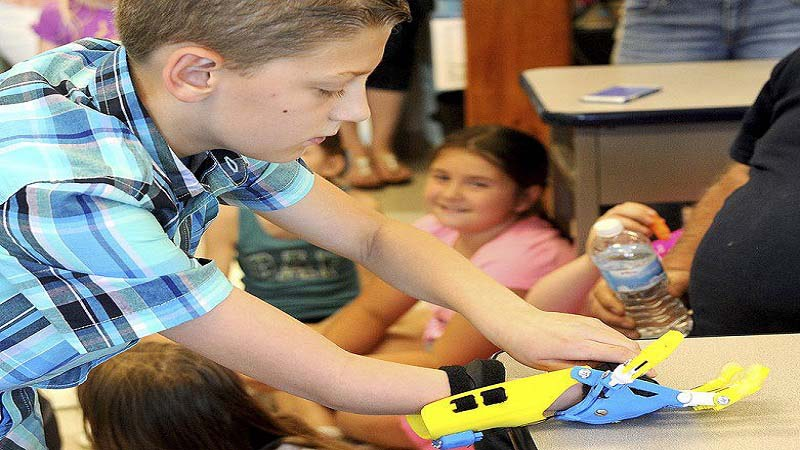 3D Printed Prosthetic Hand by Kids